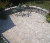 Cambridge Cobble Patio with Sitting Wall, Annapolis