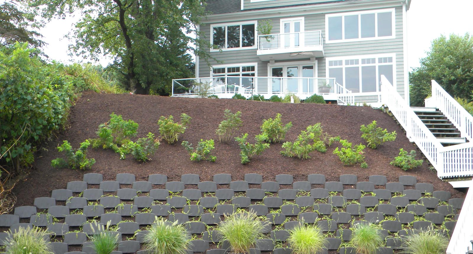 Ecoscaping smart slope planted retaining wall ciminelli s landscape services inc