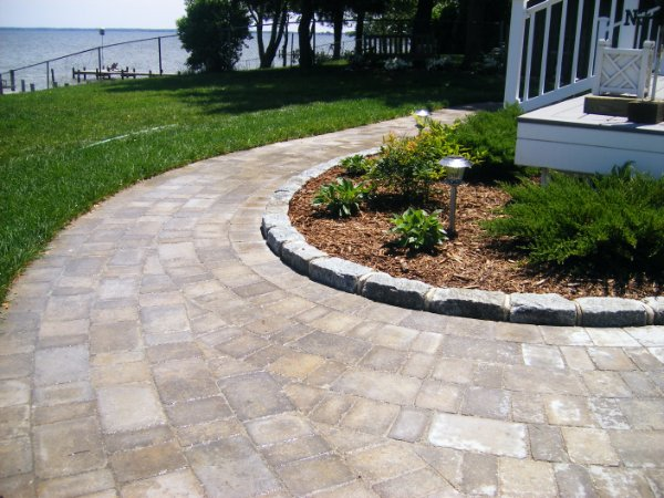 Landscaping Paver Block : Paver walkway with belgian block ciminelli s