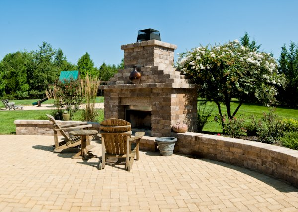 Beau RETAINING WALLS PAVER PATIO CHIMNEY AND FIREPLACE
