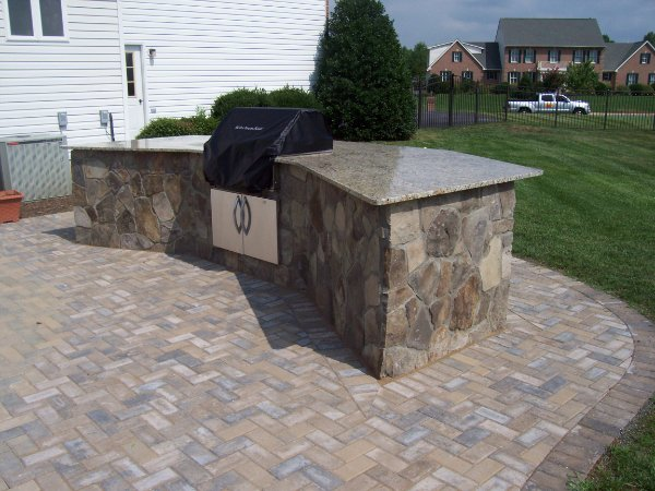 Faced Flagstone Outdoor Kitchen With Granite Top Ciminelli S